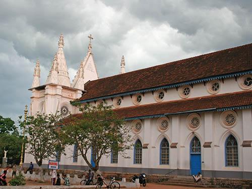 St. Thomas Kottakavu Church, North Parur, Kerala, Sideview