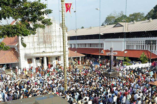 Kothamangalam Cheriapally getting ready for the Kanni 20 Perunnal - The Feast of St. Baselios Yeldho