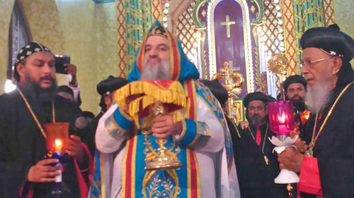 HH Ignatius Aphrem II, Patriarch of Antioch and All The East celebrating mass at St. Mary's Cathedral, Manarcadu, Kerala